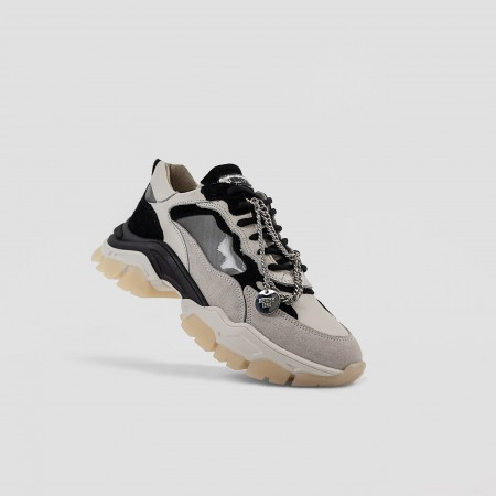 BRONX / Trainers / Tayke-Over Off White / Black
